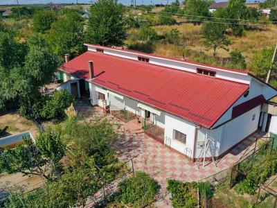 Afacere de familie! Pensiunea Capidava 6 camere - Pe malul Dunarii-3000 mp teren