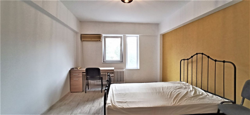 Apartament 3 camere, zona Capitol