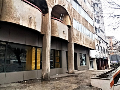 Spatiu comercial de inchiriat in zona Trocadero