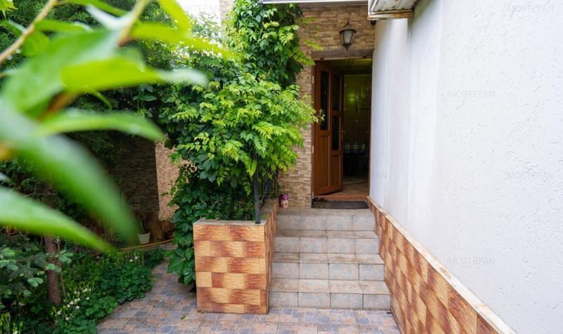 Casă modernă și cochetă cu grădină frumoasă în Techirghiol