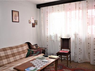 Apartament 3 camere decomandat, Km 4-5