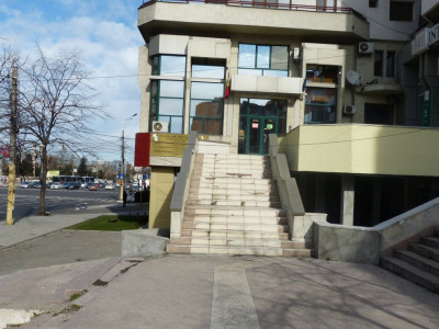 BALADA NEJ-Cladire de birouri cu locuri de parcare incluse!