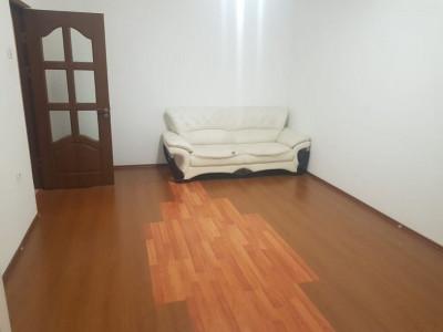 Tomis Nord / Rovere - Apartament de 2 camere decomandate, zona linistita